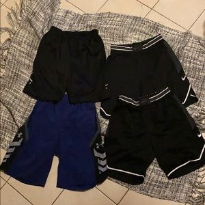 4 men's shorts in size M